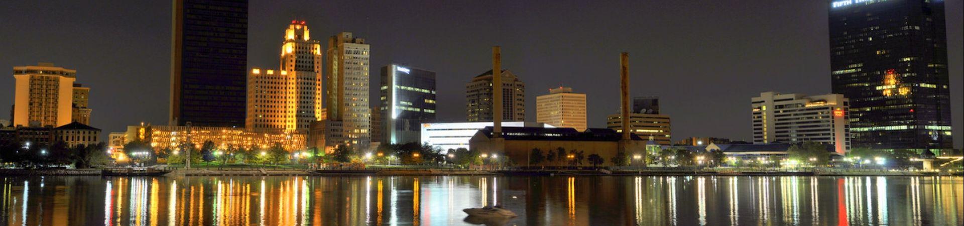 Toledo ohio skyline at night