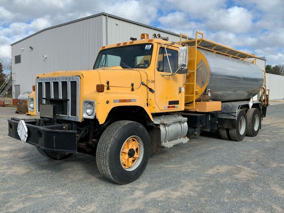 Image for BROKERAGE SALE   Interation F257 T/A Asphalt Distribution Truck   Purchase On Site