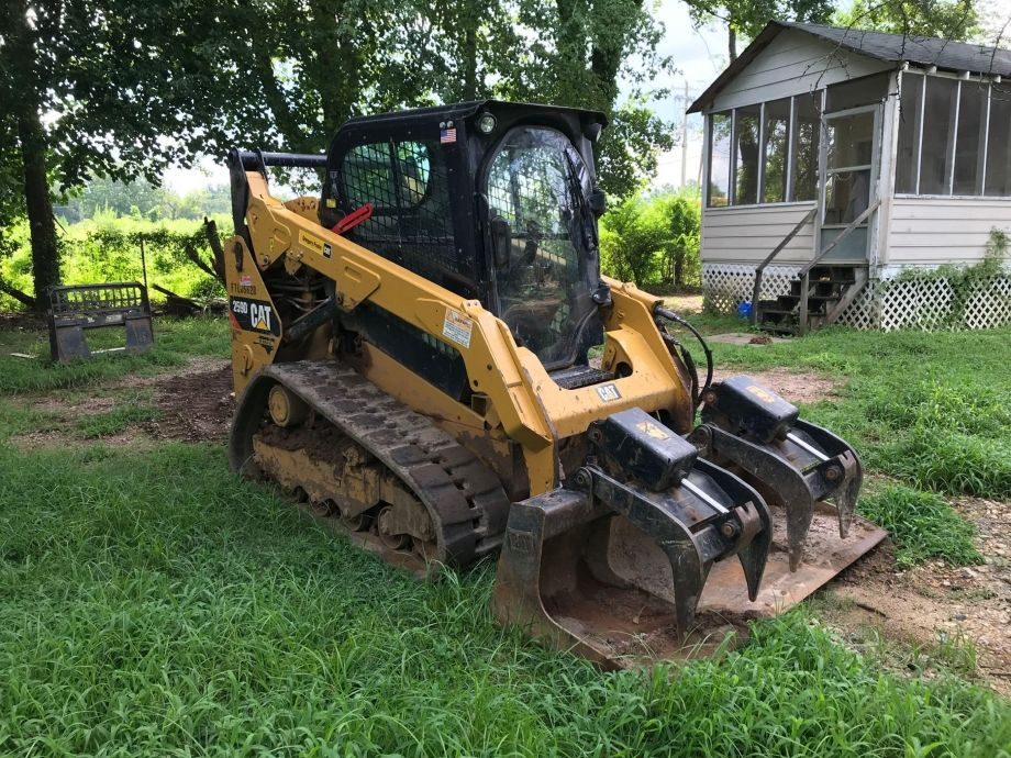 Image for BROKERAGE SALE | 2016 Caterpillar 259D Two-Speed Tracked Skid Steer | Purchase On Site
