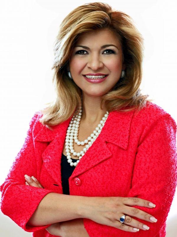 Photo of Anne Nouri